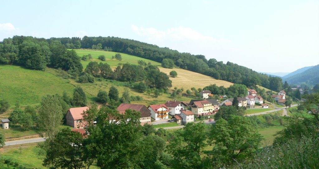 zur-krone-beerfelden-odenwald-blick.jpg